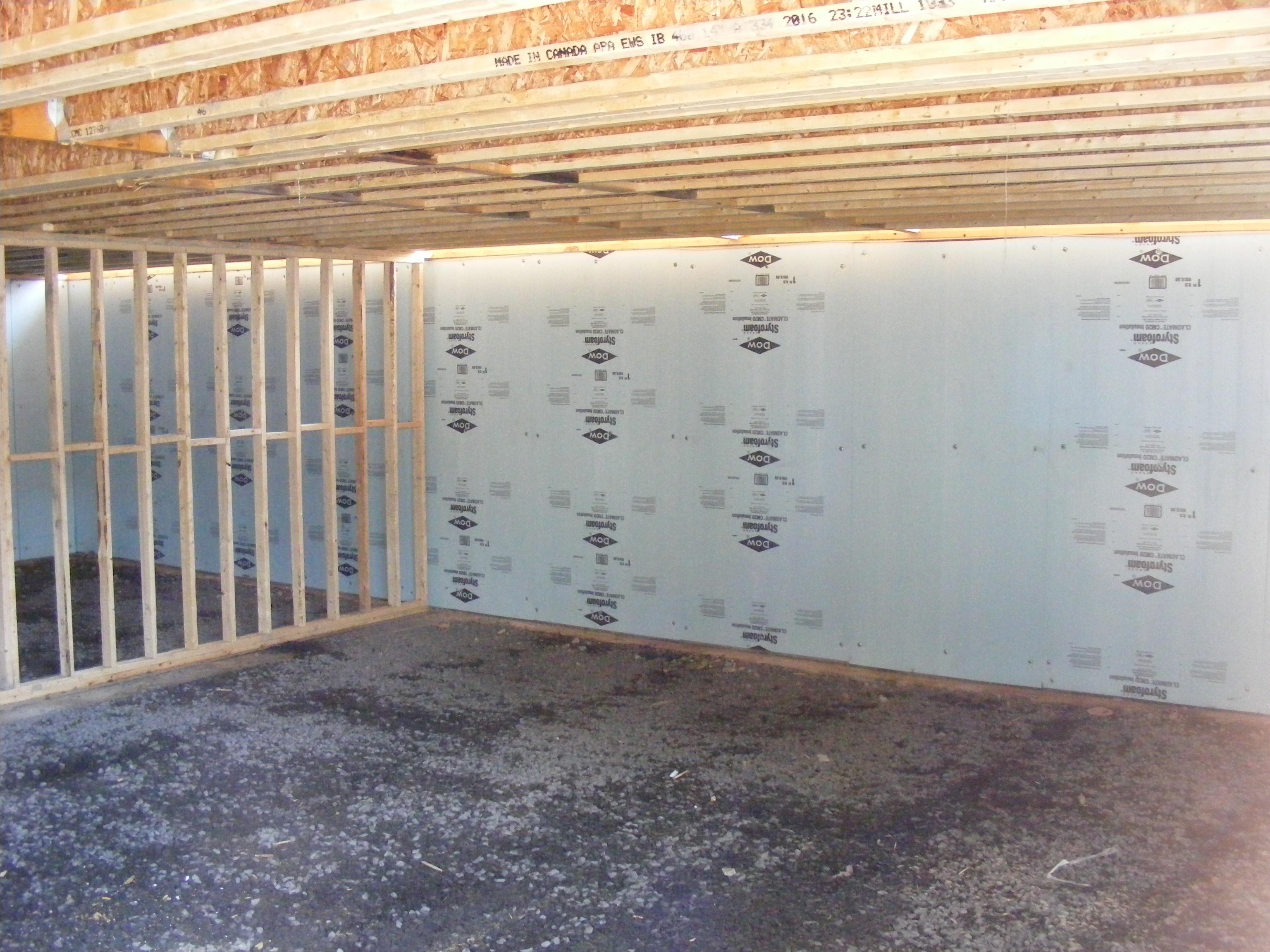 isolation des murs du sous sol. Black Bedroom Furniture Sets. Home Design Ideas